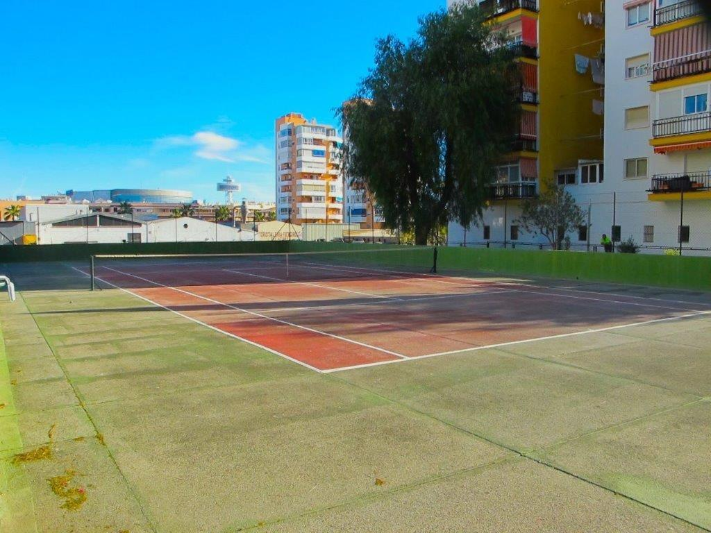 Apartment for sale in CALLE SAN VALENTIN 0 (Fuengirola), 99.000 € (Ref.: 1664)